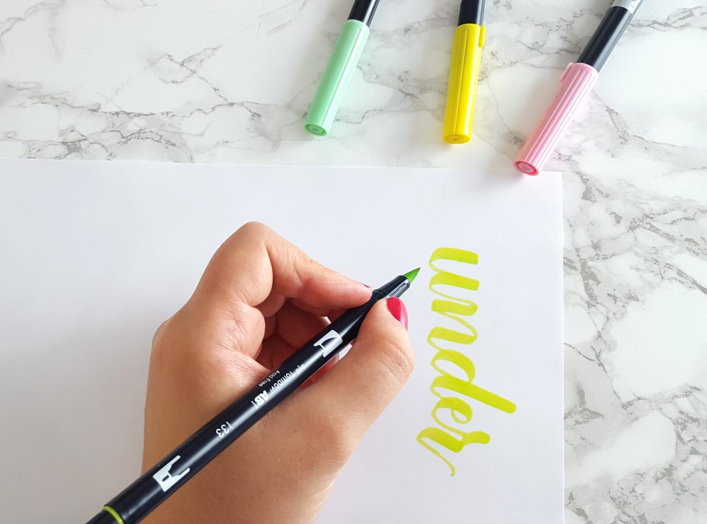 Lots of great lettering advice for lefties, left-handed tips for calligraphy from a leftie
