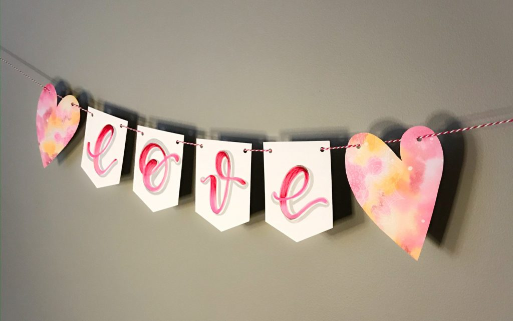 cutest DIY Valentines day love banner tutorial www.kellycreates.ca