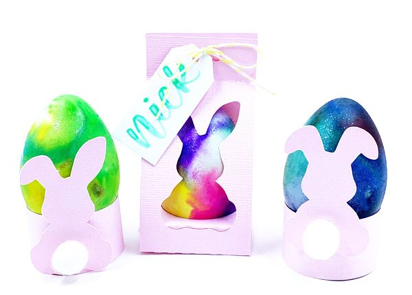 Adorable Easter decor with watercolor technique and free cut file www.KellyCreates.ca