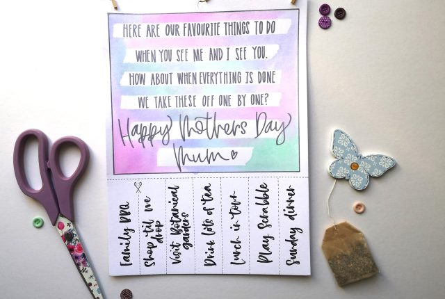 Mother's Day coupon gift idea with lettering www.kellycreates.ca