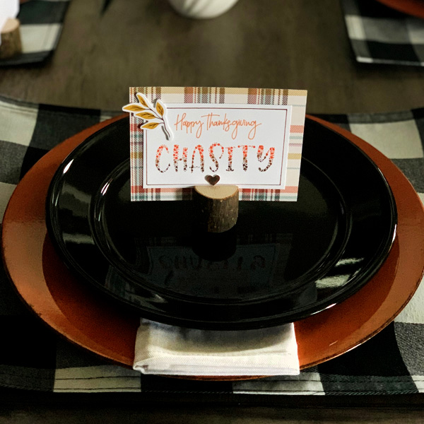 Thanksgiving place card diy with hand lettering and free printable www.kellycreates.ca