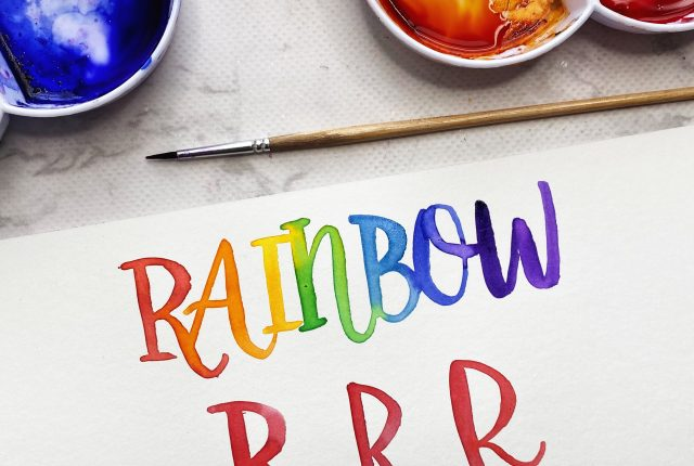 Free printable template for rainbow lettering www.kellycreates.ca