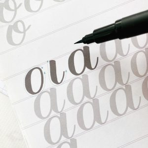 a new way to write the alphabet in modern calligraphy www.kellycreates.ca